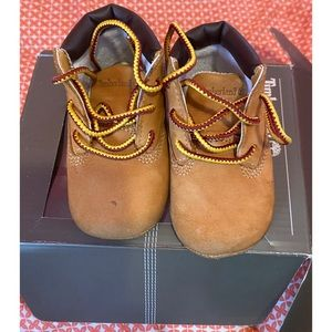 Infant wheat timberland boots size 2